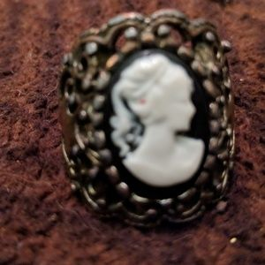 Jewelry - Vintage inspired ring.